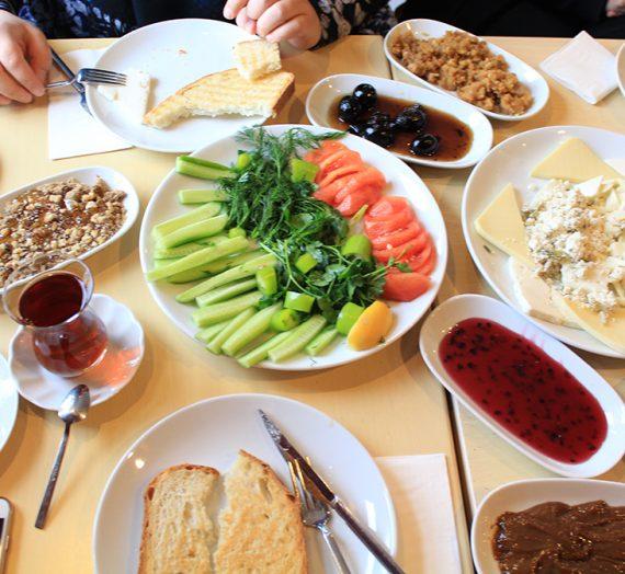 Beylerbeyi'nde Van Kahvaltısı