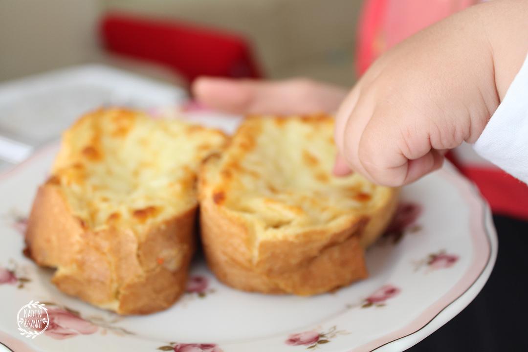 fırında yumurtalı ekmek