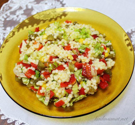 Ekşili Kuskus Salatası